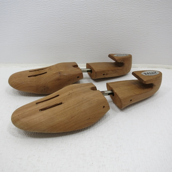 Bally Of Switzerland Ceder Shoes Tree Adjustable L
